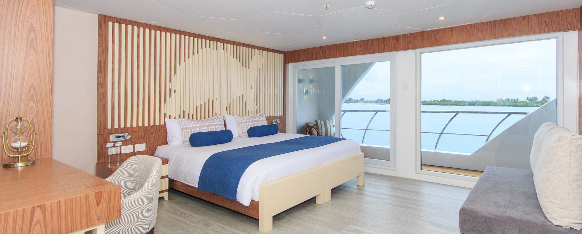 Galapagos Elite Catamaran golden suite